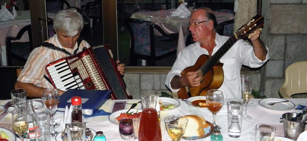 For that SPECIAL occasion we can organise an exciting event with live traditional music and dancing.